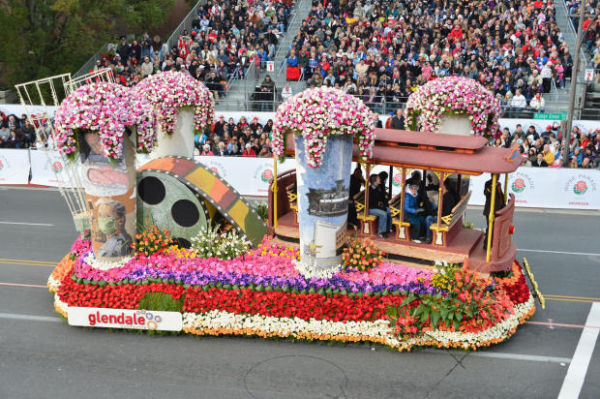 pARADE OF ROSES FLOAT