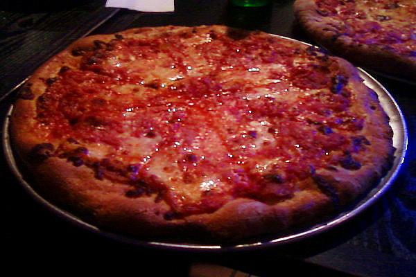 SantarpiosPizza resized 600