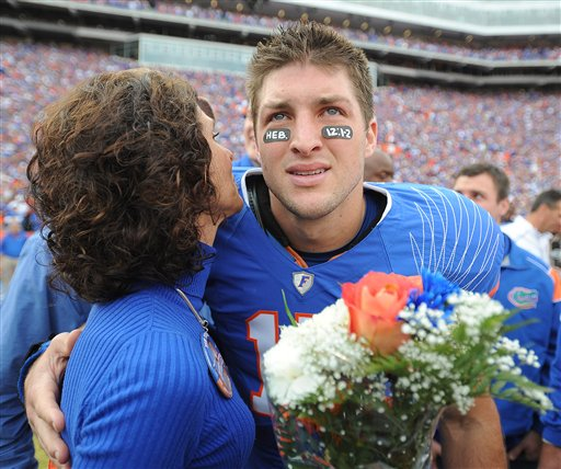 tebow and flowers resized 600