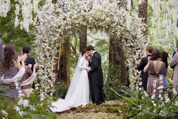 twilight breaking dawn wedding flowers resized 600