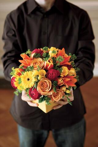 thanksgiving hostess flowers