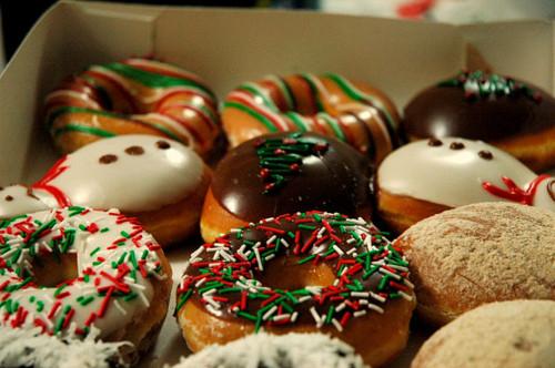 42693-Christmas-Donuts