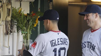 jose iglesias flowers resized 600