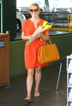 Reese+Witherspoon+FLOWERS