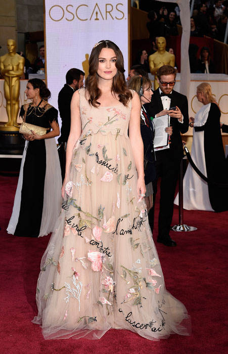 1424660908_keira-knightly-flashes-baby-bump-at-oscars-2015-4