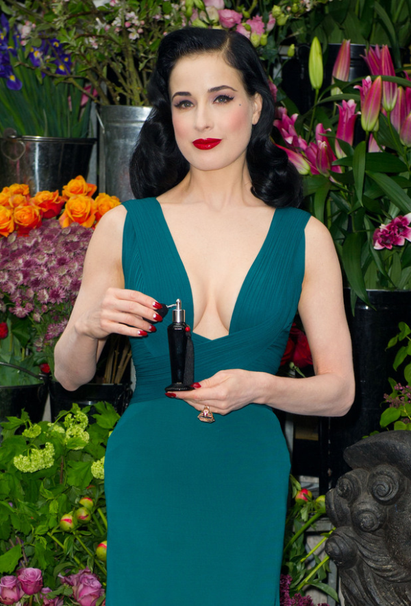 showbiz dita von teese liberty 2 resized 600