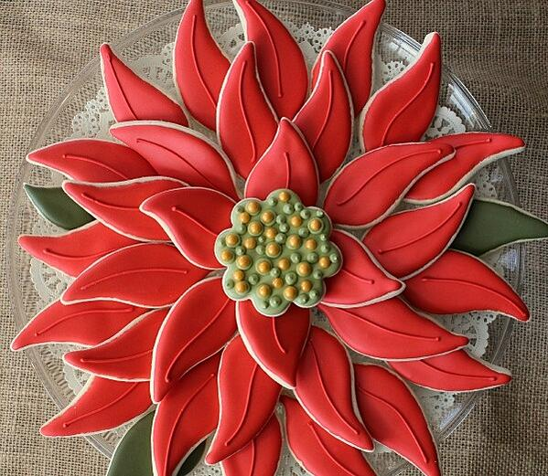 Easy-Poinsettia-Platter-5.jpg