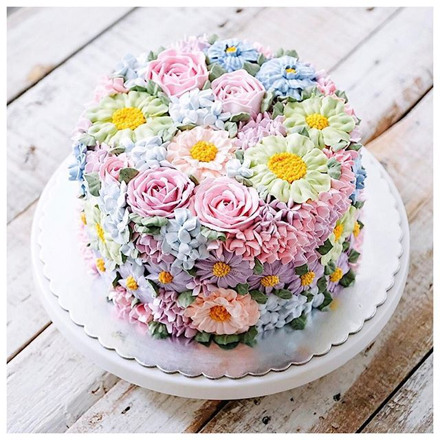 Fancy Floral Cakes