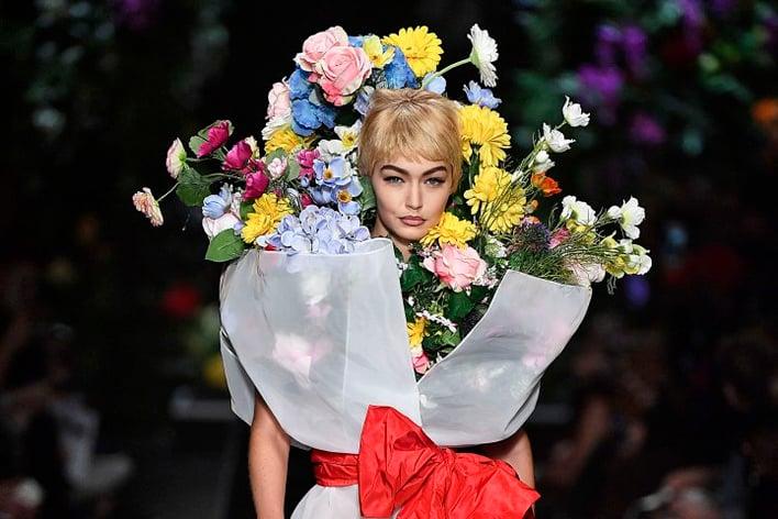 gigi-hadid-bouquet-moschino-runway-show.jpg